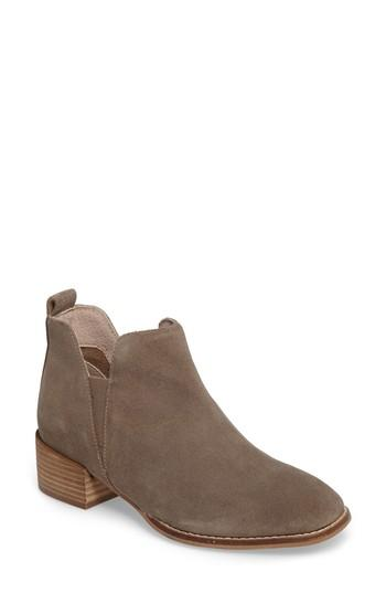 Seychelles Offstage Boot In Taupe Suede