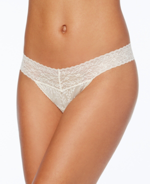 Calvin Klein Bare Lace Thong Qd3596 In Ivory