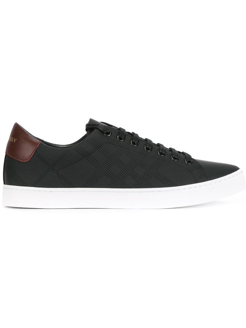 Burberry Classic Lace Up Sneakers In Black