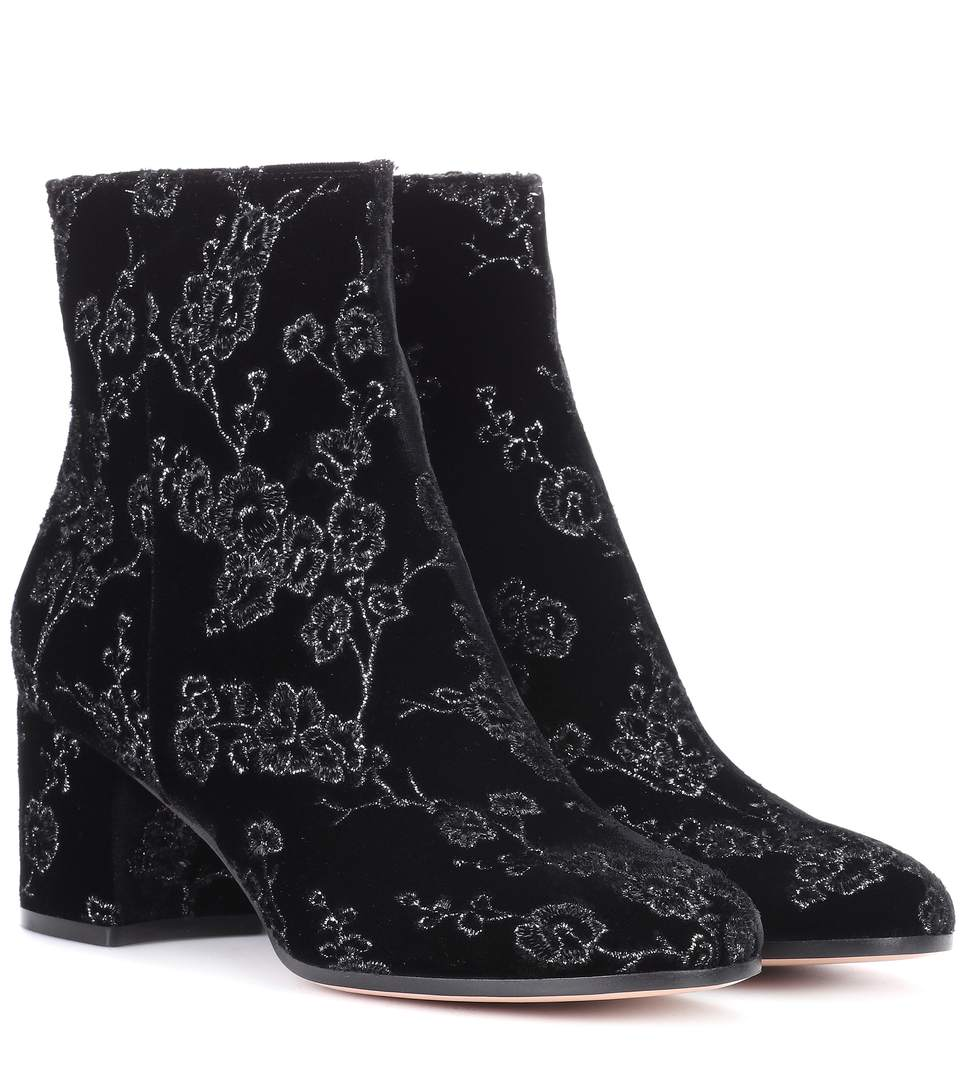 Gianvito Rossi Exclusive To Mytheresa.com- Margaux Velvet Ankle Boots In Black