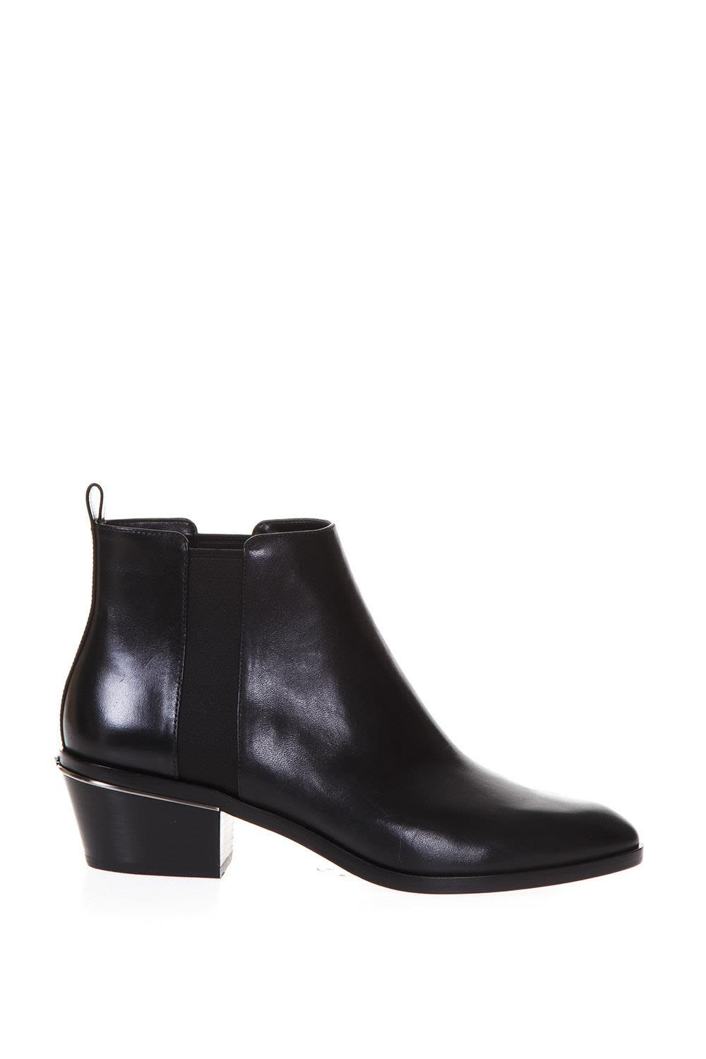 Michael Michael Kors Pointed Toe Ankle Boots In Black