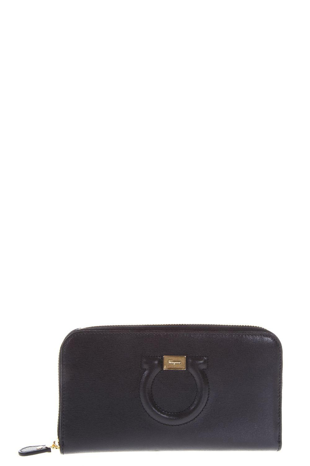 Salvatore Ferragamo Gancio Continental Leather Wallet In Black
