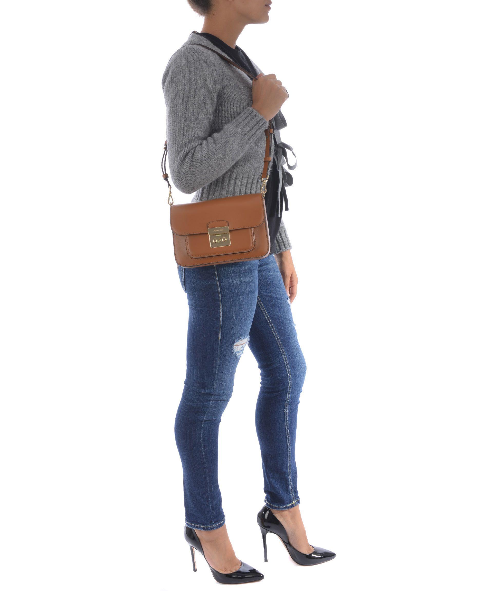 Michael Kors Madelyn Shoulder Bag In Cammello