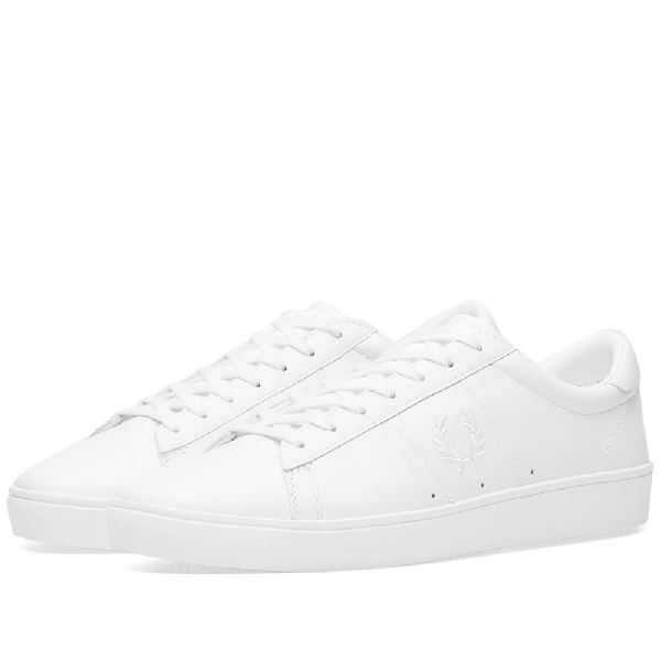 Fred Perry Leather Contrast Wreath Sneakers In White - White