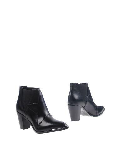 Diesel Black Gold Ankle Boot In Black