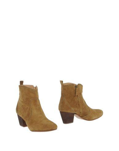 Aerin Ankle Boots In Khaki