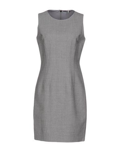 Elie Tahari In Light Grey