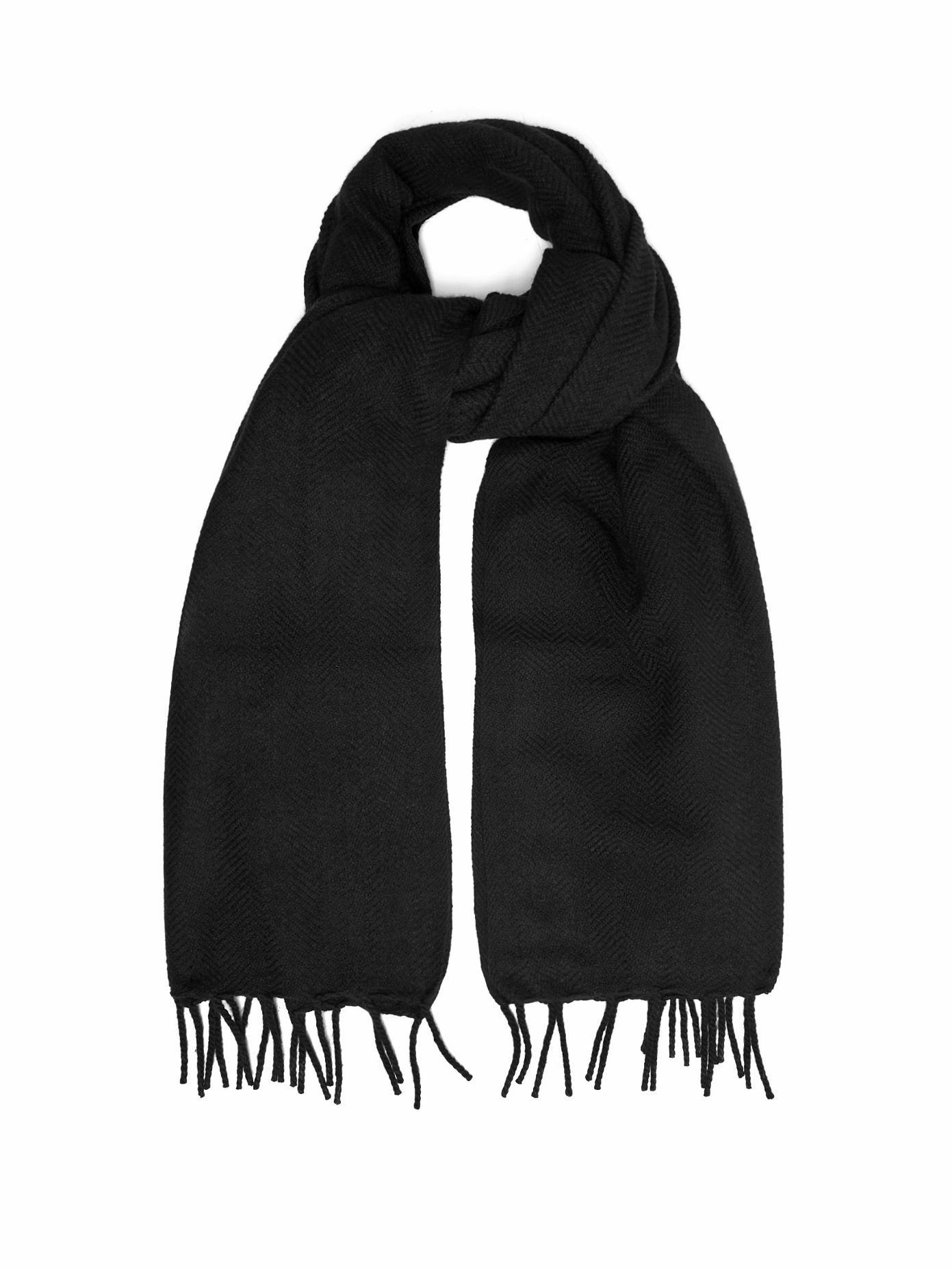 Raey Herringbone Cashmere Scarf In Black