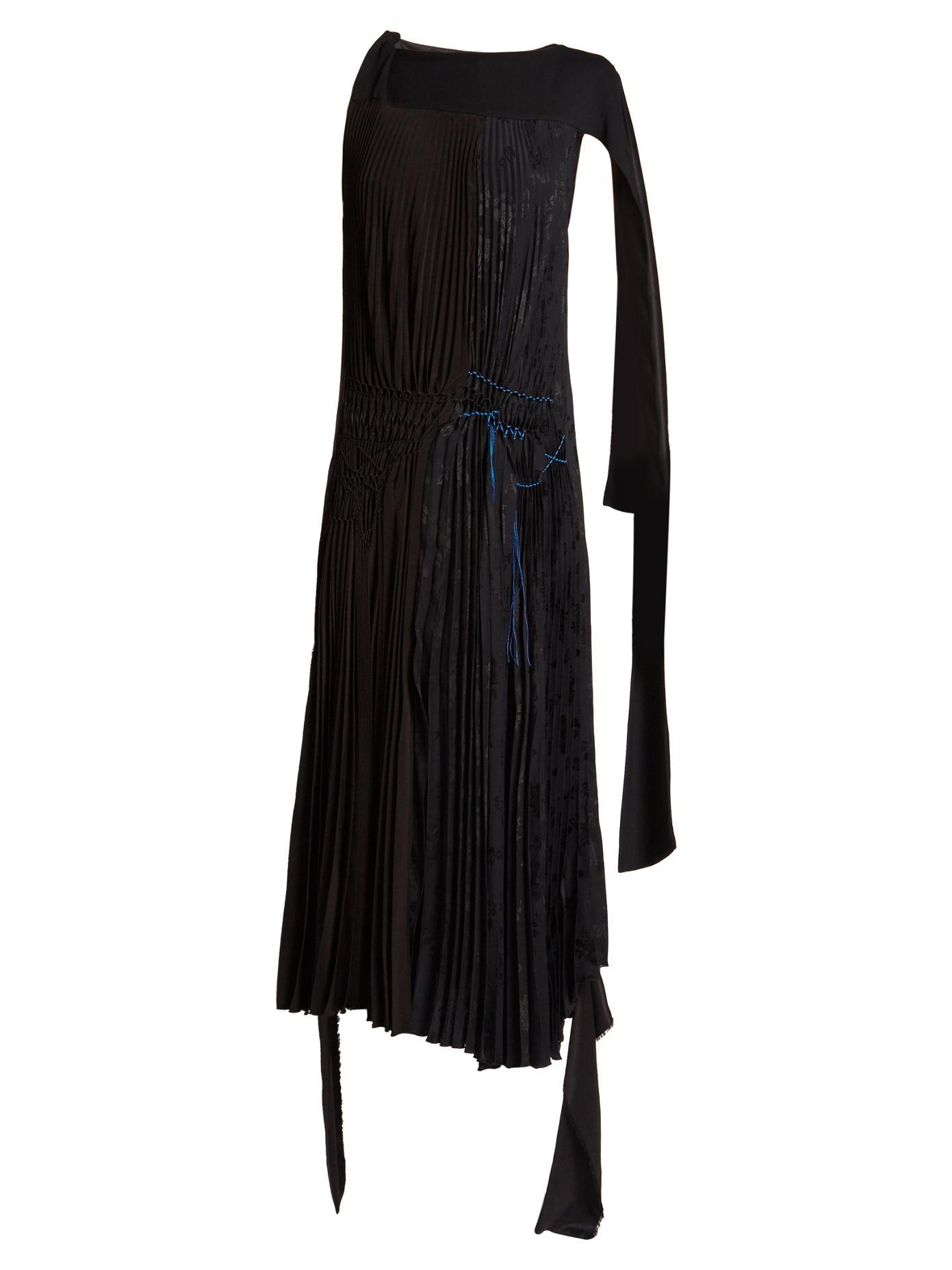 Loewe Contrast-Stitch Asymmetric Pleated Dress In Black