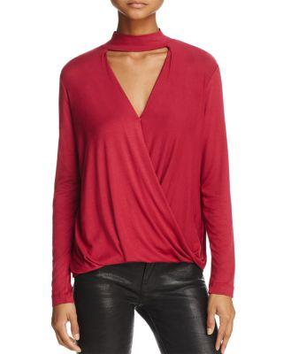 Ella Moss Cutout V-Neck Top In Hollyberry