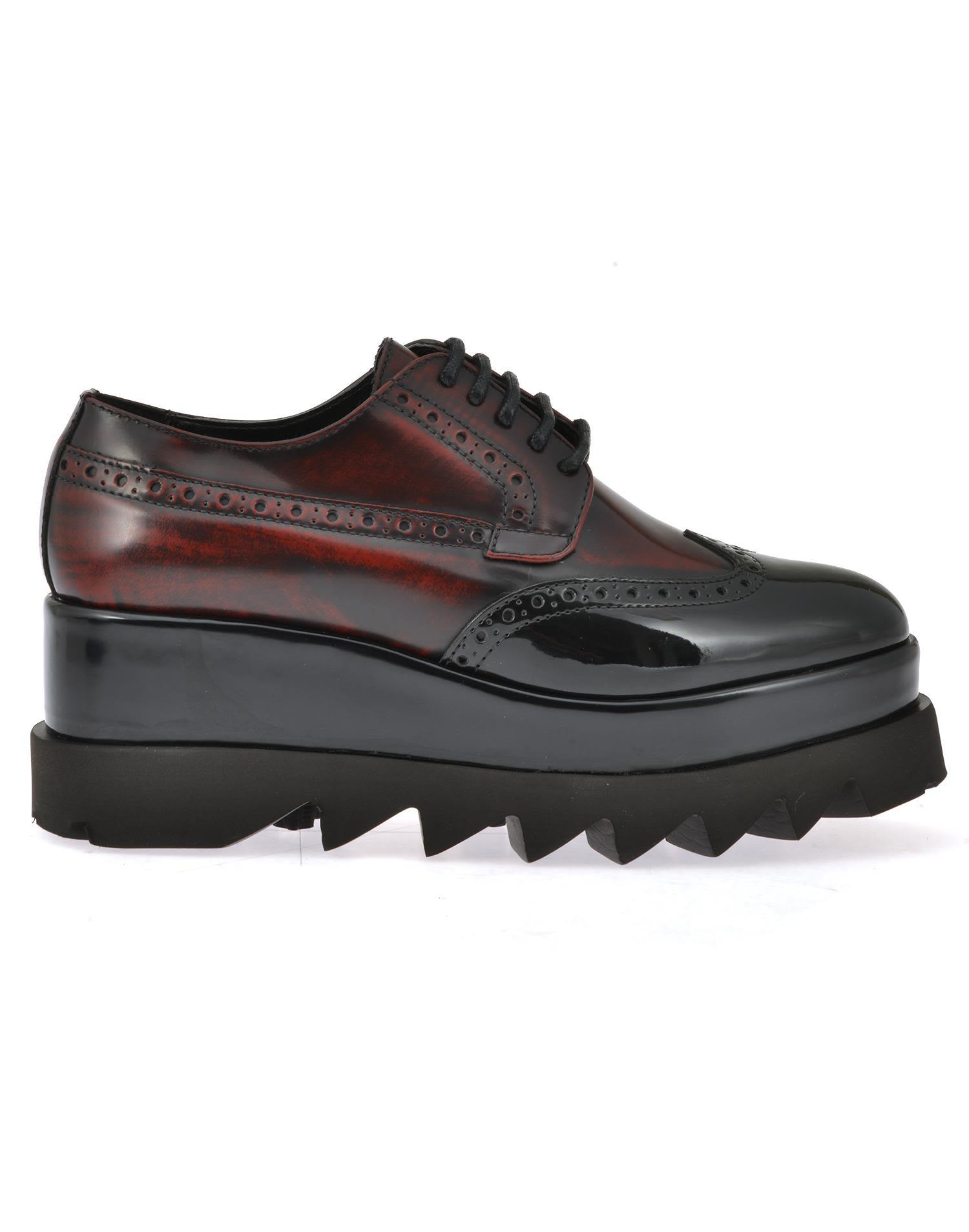 Cult Leather Lace-up Shoe In Red