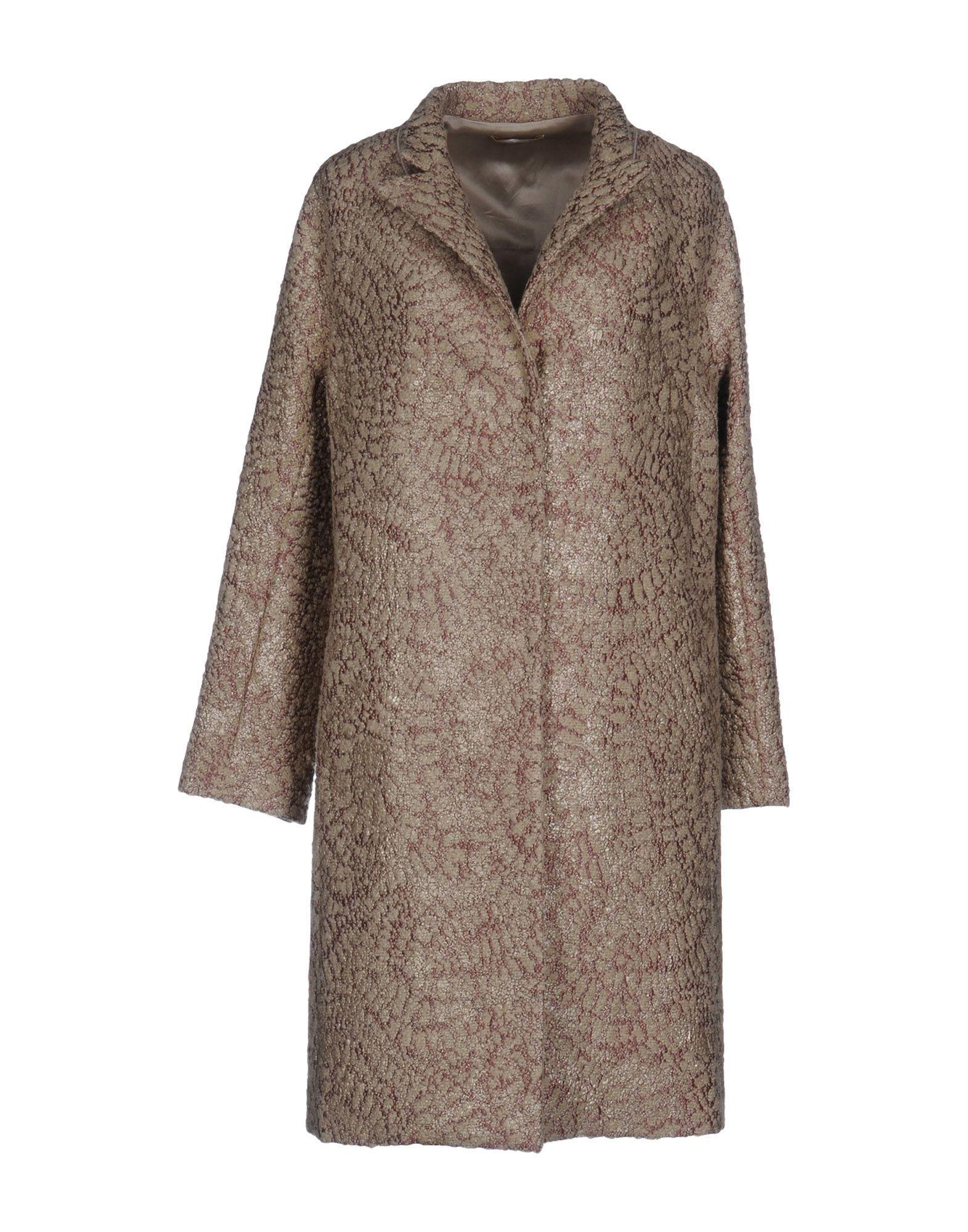 MantÙ Coats In Beige