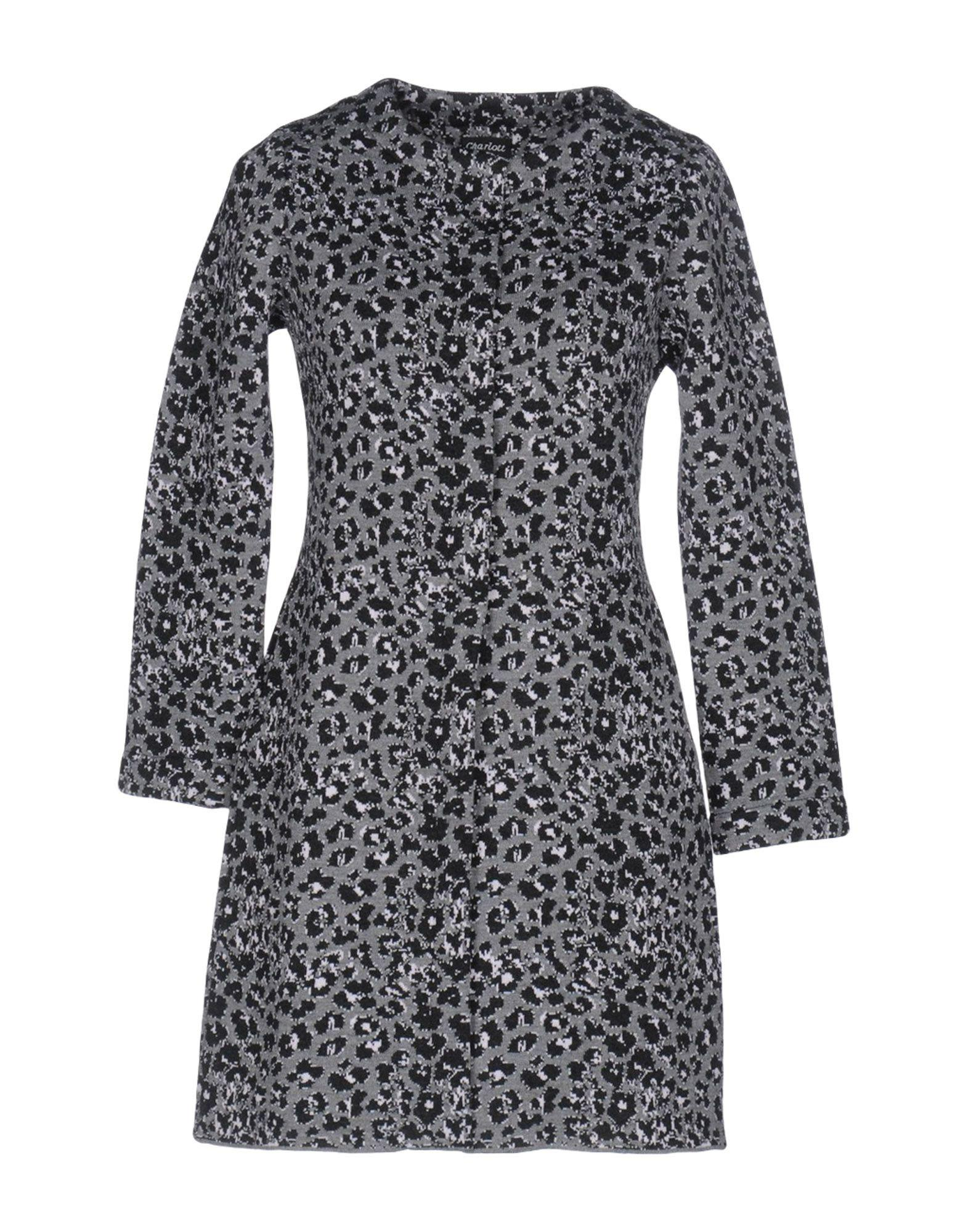 Charlott Coats In Grey