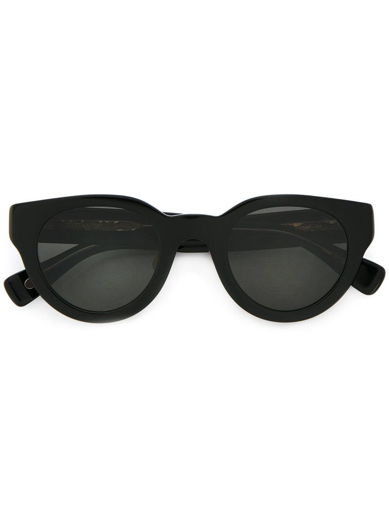 Eyevan7285 Cat Eye Sunglasses In Black