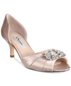Nina Charisa Pumps Women's Shoes In Champagne