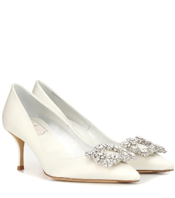 Roger Vivier Flower Faux Pearl-Embellished Iridescent Patent-Leather Pumps In White