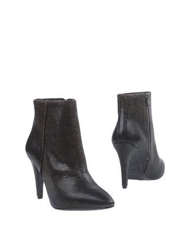 N.D.C. Ankle Boot In Dark Brown