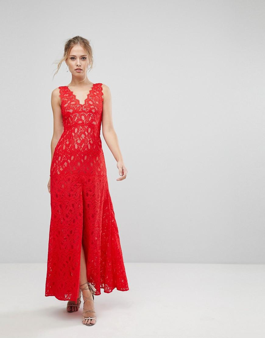 Aijek Maxi Dress In Scallop Lace With Front Slit - Red