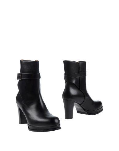 Acne Studios Ankle Boot In Black