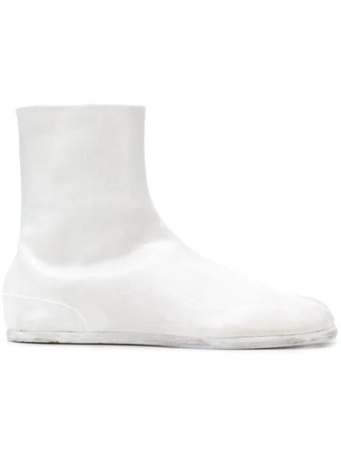 Maison Margiela Painted Tabi Leather Boots In 961 Beige