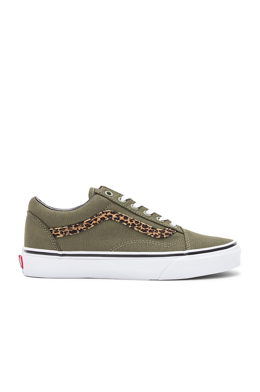 Vans Mini Leopard Old Skool Sneaker In Army Green   True White ... 5a586d3ae