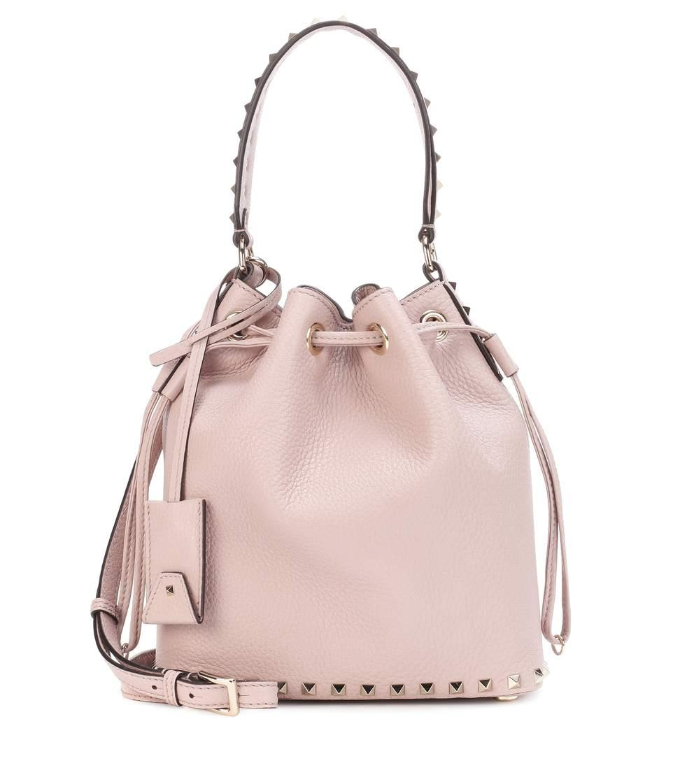 Valentino Garavani Rockstud Small Leather Bucket Bag In Pink
