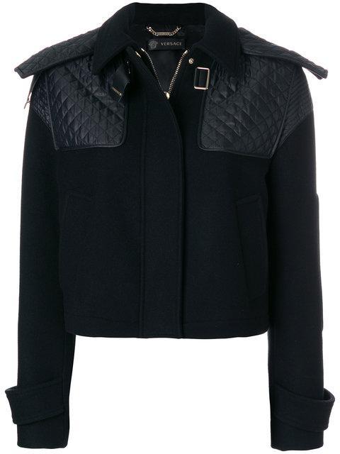 Versace 퀼트 숄더 크롭 코트
