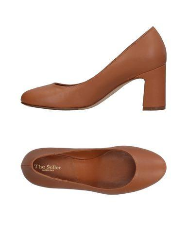 The Seller Pump In Camel