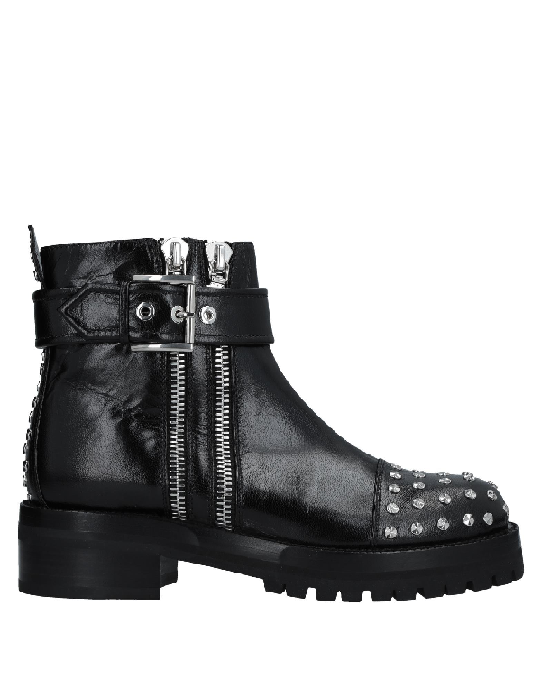 Alexander Mcqueen Stud-Embellished Leather Biker Boots In Black