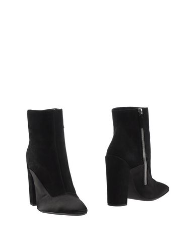Giambattista Valli Ankle Boot In Black