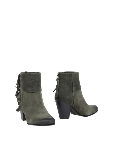 Ash Ankle Boot In Emerald Green