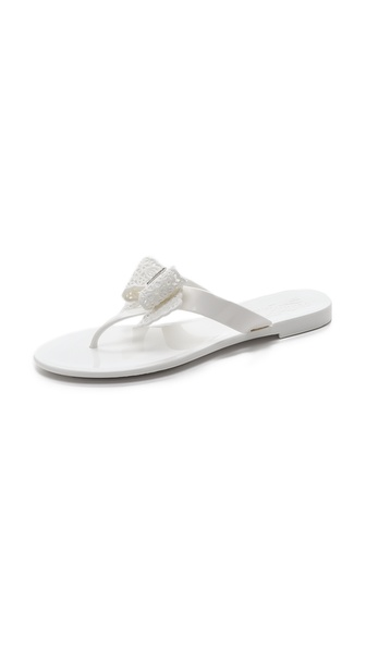 Salvatore Ferragamo Bow Flat Jelly Thong Sandals, Silver In New Bianco