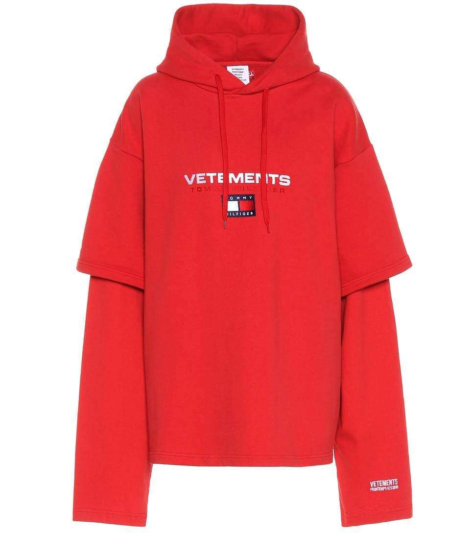 0e07730f4 Vetements X Tommy Hilfiger Layered Sleeve Hooded Sweatshirt In Red ...