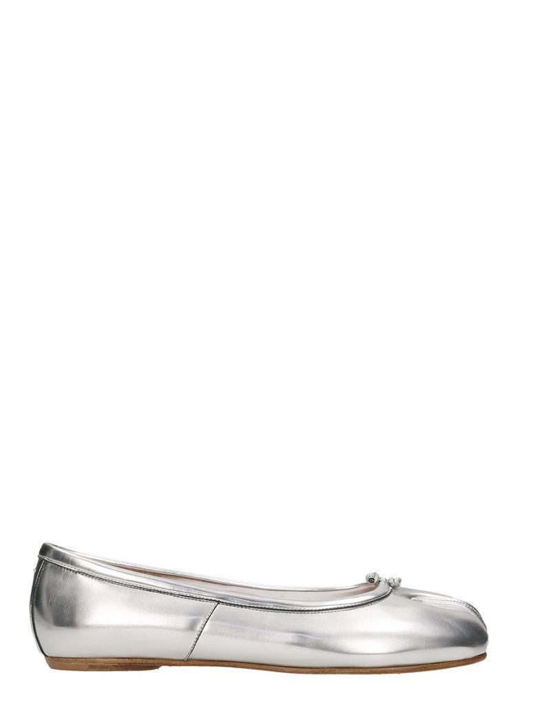 a48c9cdfc09 Maison Margiela Metallic Round Flat Shoes In 905Silver