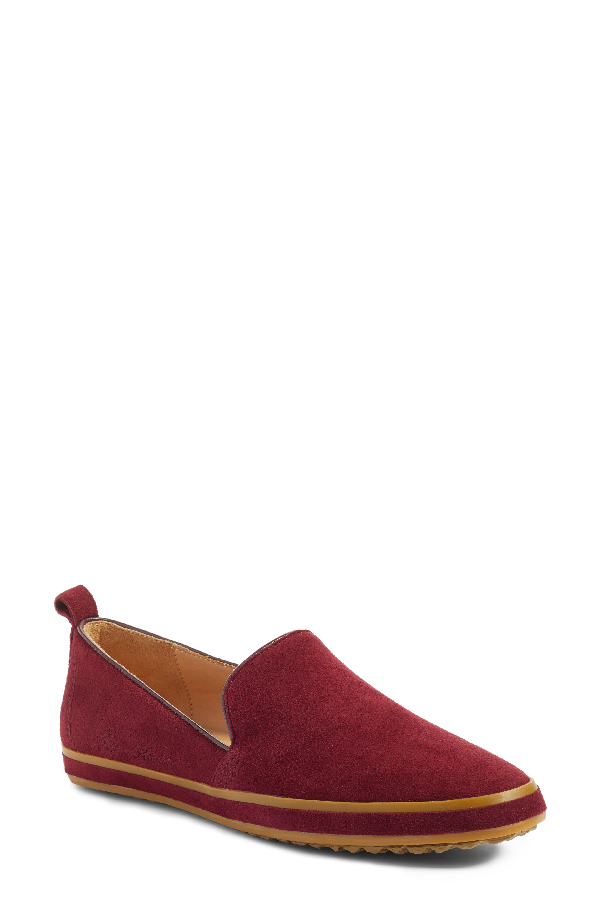 Bill Blass Sutton Slip-on Loafer In Wine