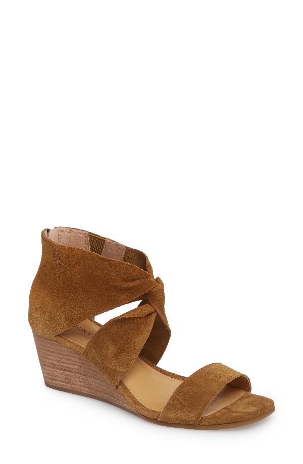 Lucky Brand Tammanee Wedge Sandal In Tapenade Suede