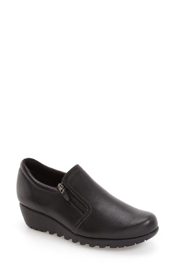 Munro Napoli Zip Bootie In Black Leather