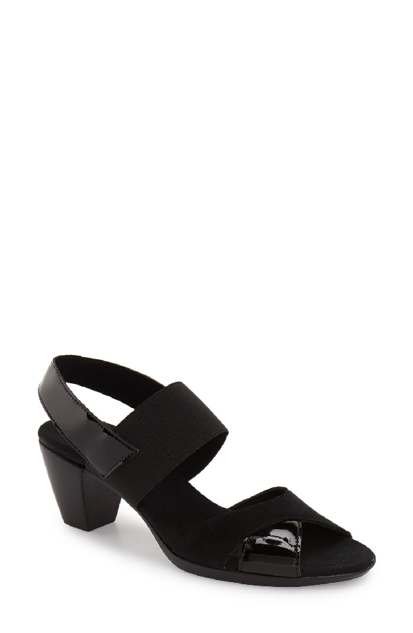 Munro Darling Mixed Finish Slingback Sandal In Black Combo