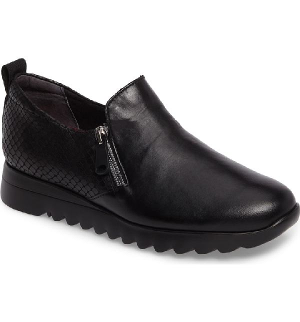 Munro Kit Loafer In Black Leather