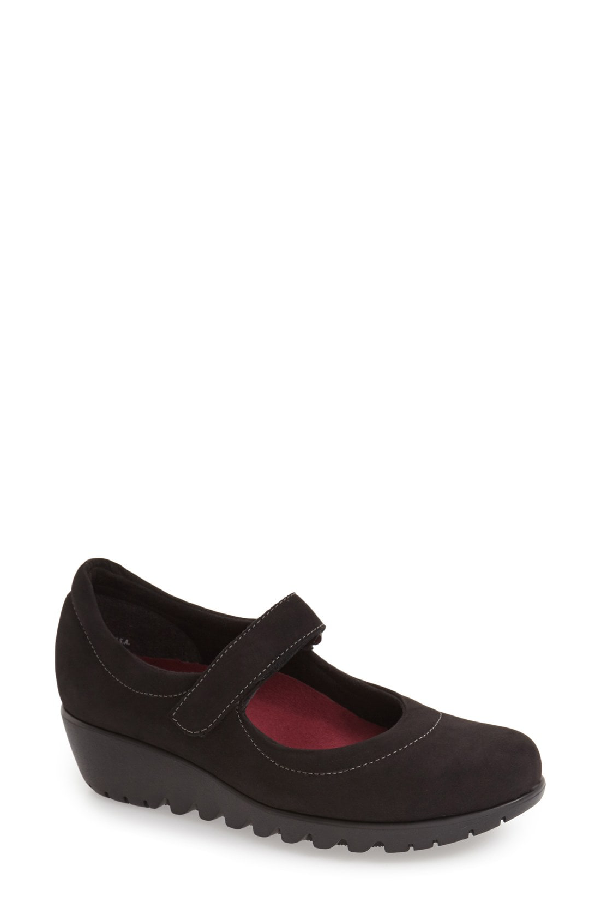 Munro 'pia' Mary Jane In Black Nubuck Leather