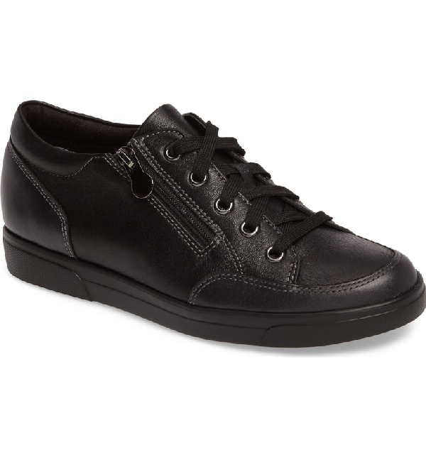 Munro Gabbie Sneaker In Black Metallic Leather