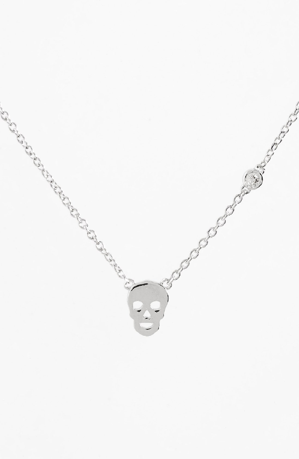 Shy By Se Skull Necklace In Silver
