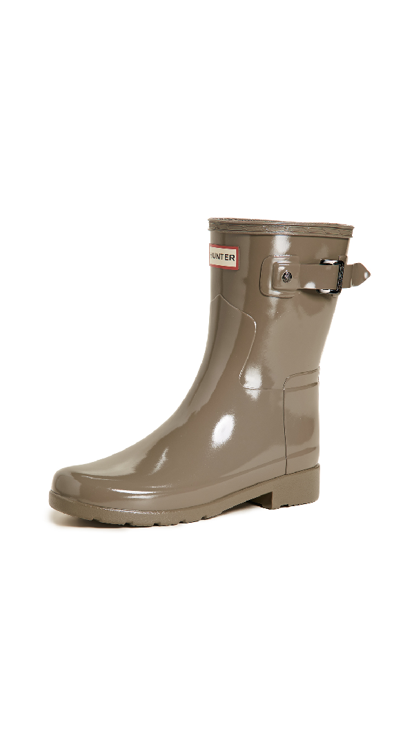 Hunter Original Refined Short Gloss Boots In Clay