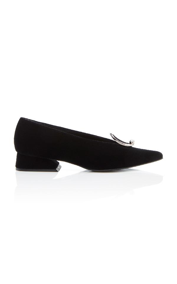 Yuul Yie Pearl Kitten Heel Pump In Black