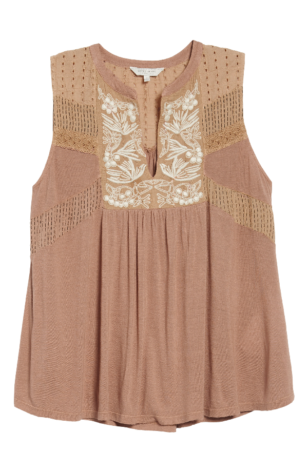 Lucky Brand Embroidered Split-neck Shell In Toffee Blush