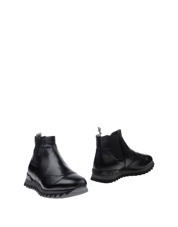 Alberto Guardiani Ankle Boots In Black