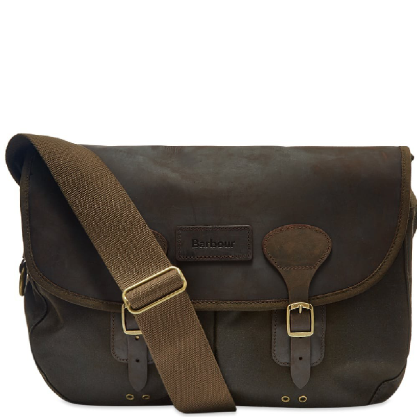 Barbour Wax Leather Tarras In Green