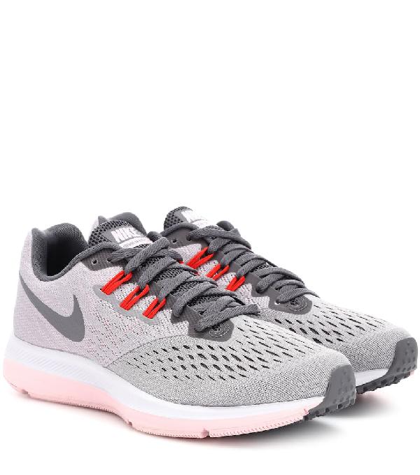 Nike Zoom Winflo 4 Sneakers In Grey