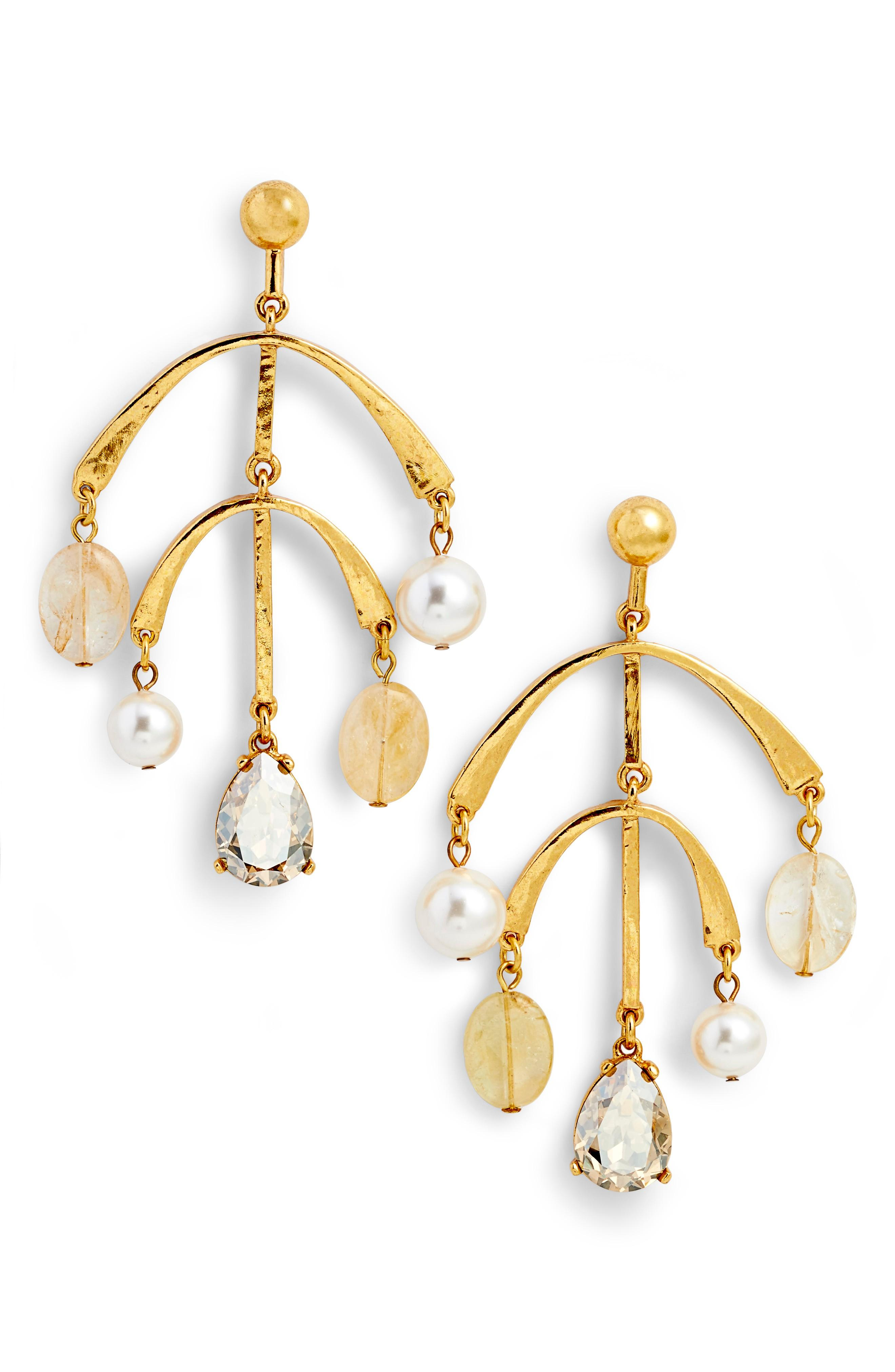 Oscar De La Renta Mobile Drop Earring With Imitation Pearl In Cry Gold Shadow