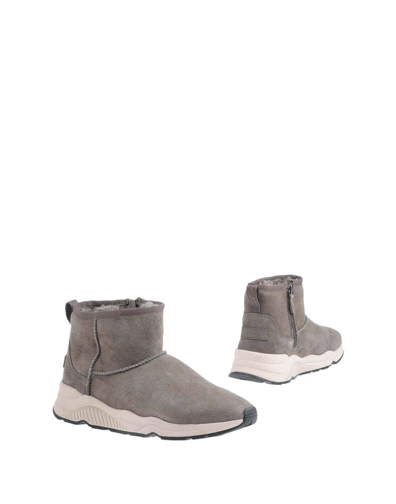 Ash Boots In Grey